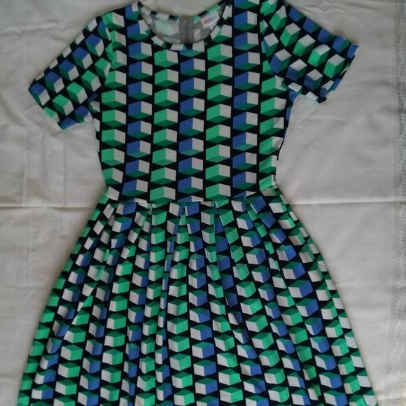 LuLaRoe Dresses & Skirts - Lula Roe Amelia Dress with Pockets!